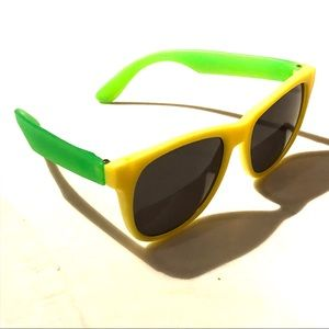 1d17928b238 Accessories - Yellow and green plastic sunglasses
